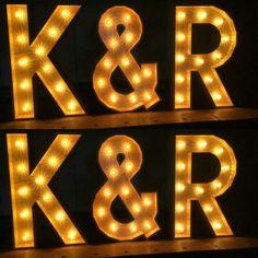 Initialen door Lumen Lichtletters www.lumenlichtletters.nl