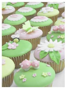 Spring party.  Who doesn't love a cupcake!?