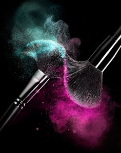 004 1 Still Life Product Photographer Pedersen cosmetic beauty brush makeup powder action eyeshadow