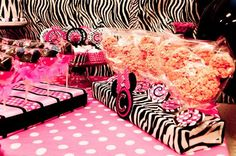 """Photo 1 of 38: Mickey Mouse Clubhouse or Minnie Mouse / Birthday """"{Divalicious Minnie Mouse Party}"""" 