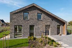 Grey brick facade | architecture | Nieuwkoop Zuidhoek