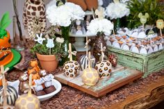 Festa Safari do Mickey - Constance Zahn Madagascar Party, Safari Party, Childrens Party, 3rd Birthday, Baby Kids, Birthdays, Baby Shower, Table Decorations, Party Ideas