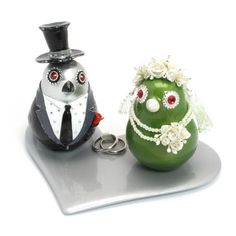 Couple Biridies Wedding Cake Topper with Silver Heart Plate B00013