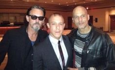 Tommy Flanagan, Theo Rossi and David LaBrava. Three of five favorites from Sons of Anarchy! tumblr_osofoiXz8f1vmgnjho1_400.jpg (400×243)