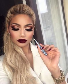 Stunning Make Up - - Stunning Make Up Beauty Makeup Hacks Ideas Wedding Makeup Looks for Women Makeup Tips Prom Makeup ideas . Makeup Goals, Beauty Makeup, Sultry Makeup, Makeup Hacks, Makeup Lips, Makeup Tutorials, Red Eyeshadow Makeup, Makeup Style, Makeup With Red Lips