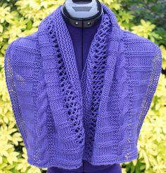 Chauffe épaules en laine avec natte et points ajourés http://www.alittlemarket.com/boutique/chaliere-2339933.html