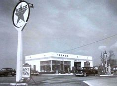 Nostalgia Photography @gr8traveltips Features An Old Texaco Gas Station.