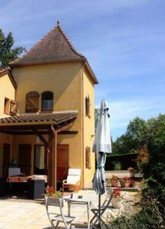 3 bedroom house for sale in ST MARTIN LE REDON, 46700, France 3 Bedroom House, Gazebo, Outdoor Structures, Cabin, France, House Styles, Home Decor, Kiosk, Decoration Home