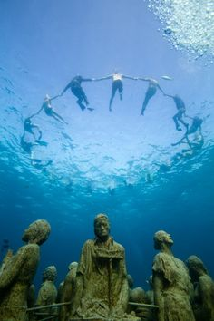 Sigma Proud to Sponsor Underwater Sculptor and Photographer Jason DeCaires Taylor Underwater Sculpture, Underwater City, Jason Decaires Taylor, Sunken City, Modern Sculpture, Sculpture Museum, Artistic Installation, Gif Animé, Water Waves