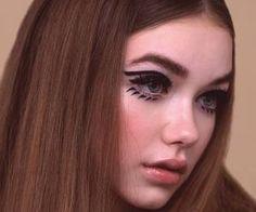 Retro Inspired Make Up 70s Makeup, Retro Makeup, Vintage Makeup, Cute Makeup, Makeup Art, Beauty Makeup, Hair Makeup, Hair Beauty, Awesome Makeup