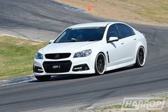 Harrop Engineering VF Commodore with Green Brake Calipers Pontiac 2017, Pontiac G8, Chevy Ss, Chevrolet Ss, Holden Commodore, Brake Calipers, Old Trucks, Cars And Motorcycles, Cool Cars