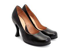 I love these simple black heels :0 Paris (Black) Fluevog