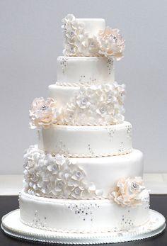"""Diamond Flowers, Petal Dresses"" cake from Ruelo Patisserie"