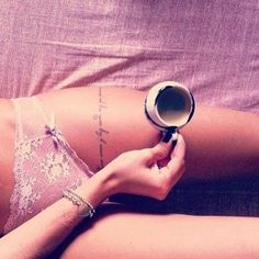 Sexy Thigh Tattoo Designs and Ideas for Girls15.1
