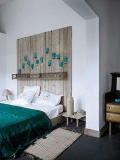 Individuelle Dekore für Schlafzimmer-Kopfteil aus Holz-türkisfarbene Tagesdecke