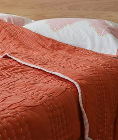 Shanti quilt from Natural Bed Company #Jay #street #block #print #bedding #quilt #salmon http://www.naturalbedcompany.co.uk/shop/bedding/shanti-quilts/