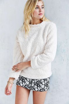 Silence + Noise Cozy Sherpa Top - Urban Outfitters