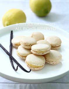 Bourbon vanilla macarons with lemon curd filling