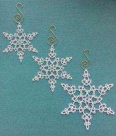 Tatting by the Bay: A few more flakes