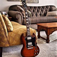 Classic SG from @vintagetone_ #guitarspotter #gibson #sg