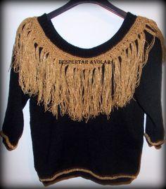 sweater de lana con flecos y detalles tejidos al crochet Sweaters, Fashion, Wave, Bangs, Hipster Stuff, Moda, Fashion Styles, Sweater, Fashion Illustrations
