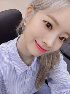Lovely Twice Photo Part 35 - Visit to See Nayeon, South Korean Girls, Korean Girl Groups, Asian Woman, Asian Girl, Mbti Type, Sana Momo, Twice Dahyun, One In A Million