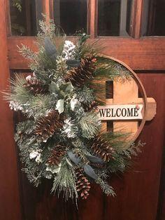Holiday Wreaths, Christmas Decorations, Winter Wreaths, Spring Wreaths, Holiday Ideas, Christmas Ideas, Country Wreaths, Outdoor Wreaths, Wreaths For Front Door