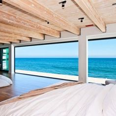 Het waanzinnige strandhuis van Friends acteur Matthew Perry   | roomed.nl  HEEL VERVELEND UITZICHT!(-: