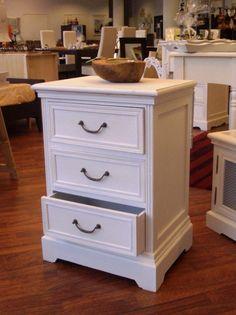 Love Home -sarjan yöpöytä valkoinen laatikoilla    Uuttakotiin.fi Dresser As Nightstand, Table, Furniture, Home Decor, Interior Design, Home Interior Design, Desk, Tabletop, Arredamento