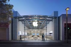 Burglars ram SUV into Palo Alto Apple store in smash-and-grab raid http://appleinsider.com/articles/16/12/05/burglars-ram-suv-into-palo-alto-apple-store-in-smash-and-grab-raid @ciobrody do you think Apple can you find my device to see where the stuff went?