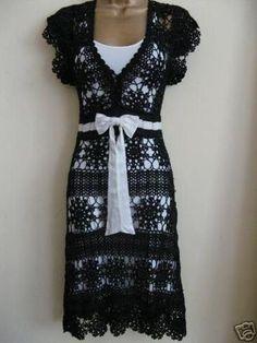 Absolutely beautiful - Hooked on crochet: Vestido preto de crochê / Black Crochet Dress Black Crochet Dress, Crochet Skirts, Crochet Clothes, Diy Clothes, Knit Dress, Dress Skirt, Dress Up, Dress Outfits, Mode Crochet