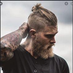 Mens Hairstyles 50 Handsome Man Bun Hairstyles - Men Hairstyles World 50 Handsome Man Bun Hairstyles - Men Hairstyles World Hairstyles For Teenage Guys, Trendy Mens Haircuts, Cool Hairstyles For Men, Cool Haircuts, Men's Haircuts, Prohibition Haircut, Haircut Names For Men, Haircut Men, Top Knot Men