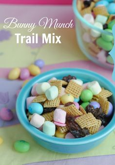 Easy bunny munch trail mix -- perfect for Easter and it taste SO good!