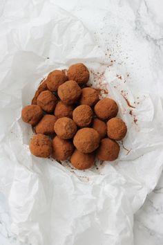 Koffietruffels: ze zijn gemakkelijk om te maken, maar vol en rijk van smaak. Binnen een mum van tijd heb jij de lekkerste truffels op tafel staan.