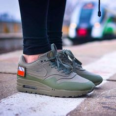 finest selection 5ae47 6bc27 Sneakers femme - Nike Air Max 1 Patch Pack Air Max 1s, Nike Air Max