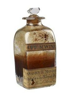 """""""Vino de opio"""" (1812). Del botiquín del Duque de Kent. De los farmacéuticos Savory y Moore"""