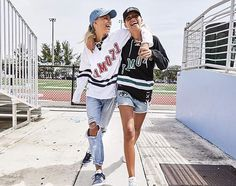Lisa and Lena Sisters Goals, Bff Goals, Best Friend Goals, Sister Pictures, Friend Pictures, Friend Pics, Lisa Or Lena, Cute Twins, Friends Fashion