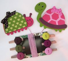 Children's Artwork Display Hanger, Turtle and Ladybug in Pink and Green, Kids Wall Art, Art Hangers, Wall Decor, Art Organizer