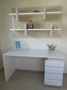 שולחן כתיבה מעוצב בקו מודרני מבית דני הנקר