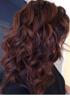 Hair color idea for when you`re out of ideas – Auburn Hair Styles Hair Color Auburn, Red Hair Color, Hair Color Balayage, Brown Hair Colors, Hair Highlights, Dark Red Brown Hair, Brown Auburn Hair, Reddish Brown, Fall Auburn Hair