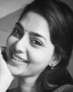 Sundari💗 #aishu Beautiful Celebrities, Beautiful Actresses, Actors Images, Malayalam Actress, South Actress, Girls Dpz, India Beauty, Photo Poses, Girl Photography