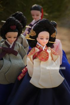 Beautiful Eyes Color, Fashion Dolls, Fashion Dresses, Chinese Makeup, Korean Accessories, Doll Japan, Korean Hanbok, Asian Doll, Bjd Dolls