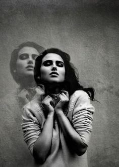 Portrait Photography @Mina Mahmudi jafari  The shadow effect #PhotographyTips