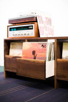 Stylish Ways to Display a Record collection #Caesarstone #interiordesign #music #recordcollection #organization