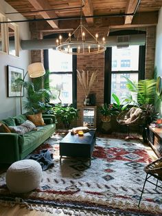 Living Room Green, Green Rooms, Boho Living Room, Living Room With Color, Living Room Decor Green Couch, Colorful Living Rooms, Living Room Rugs, Attic Living Rooms, Living Room Plants Decor