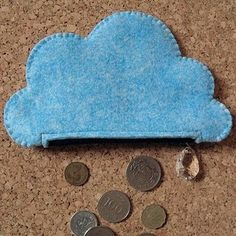 cloud coin purse w/ rain drop zipper pull. Felt Diy, Felt Crafts, Fabric Crafts, Sewing Crafts, Sewing Projects, Cute Coin Purse, Diy Projects To Try, Diy Gifts, Ornament