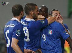 Shut up, Balotelli. Italy vs. Ireland 2:0