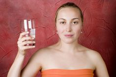 How to Determine if You Are Drinking Half Your Body Weight in Water