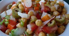 Ingredientes:   250 g de garbanzos hervidos (yo puse garbanzuelos, riquísimos, y son de León)  1 pimiento verde grande  1 cebolla dulce ...