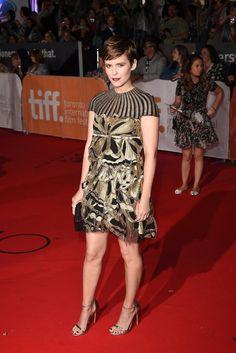 Pin for Later: Sorry New York – glamouröse Kleider gibt's auch in Toronto! Kate Mara In einem Kleid von Valentino
